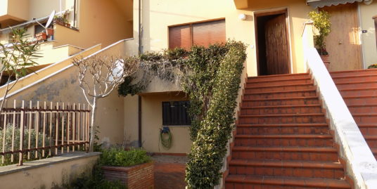Appartamento in vendita a Castelliri con giardino Rif.56