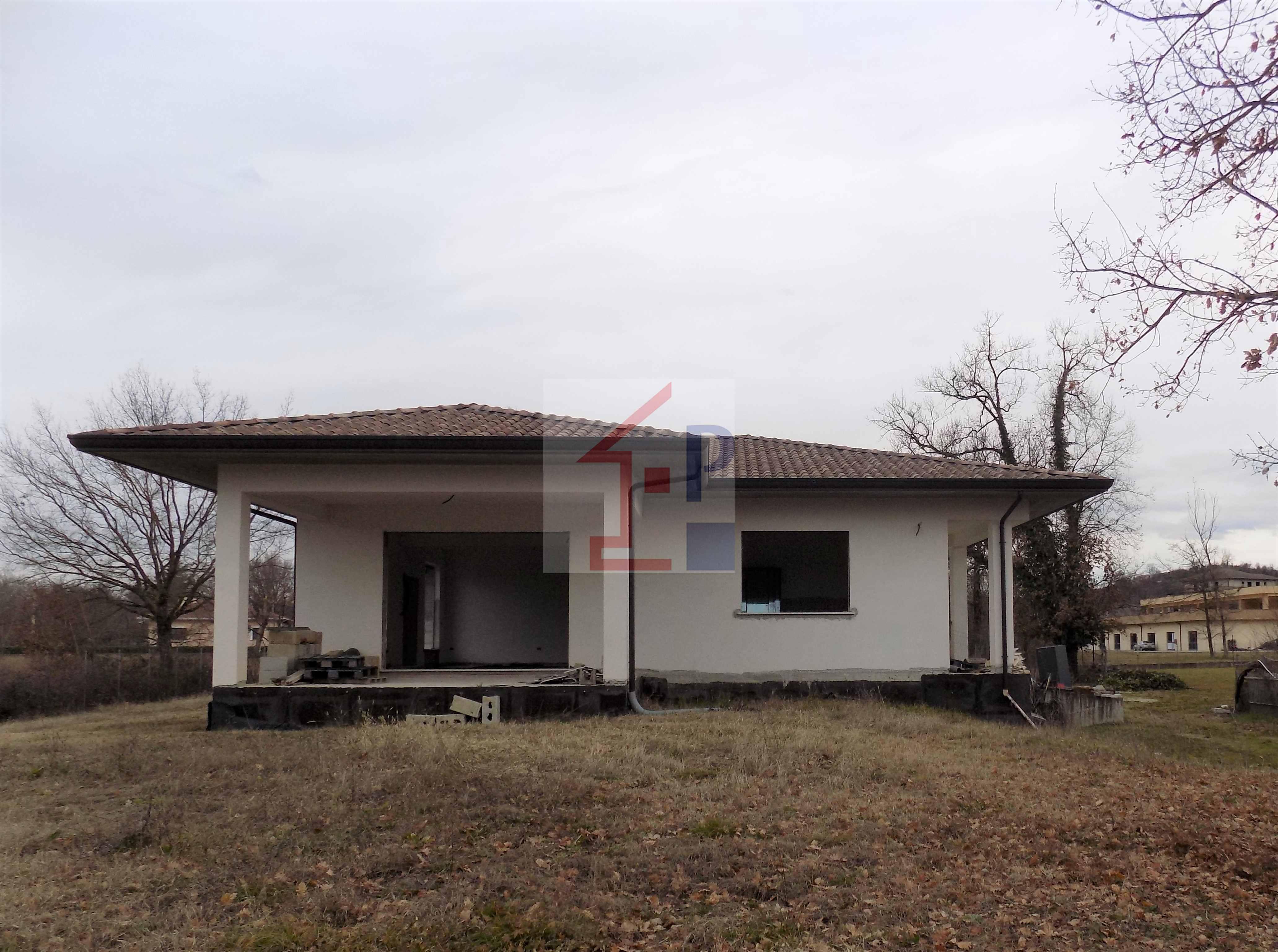 Casa singola in vendita a Ceprano con terreno  Rif.81