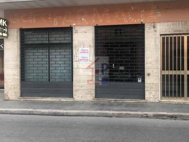Locale Commerciale in vendita ad Isola Del Liri