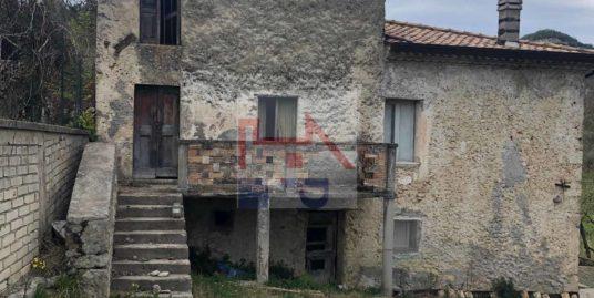 Casale semindipendente in vendita ad Isola Del Liri in pietra Rif.85