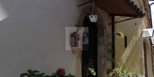 Appartamento in vendita ad Alvito con terrazzo.