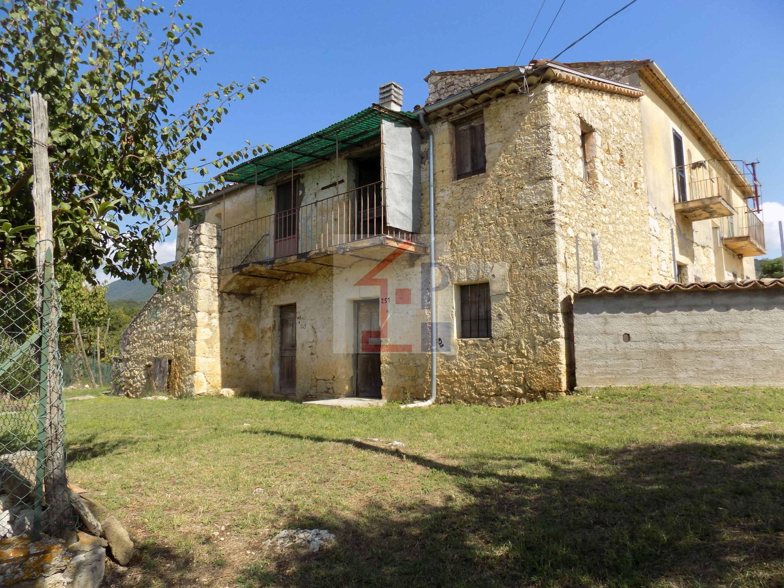 Casale in pietra in vendita a Veroli- Bagnara