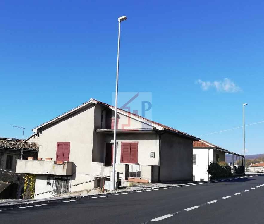 Casa indipendente in affitto ad Isola del Liri