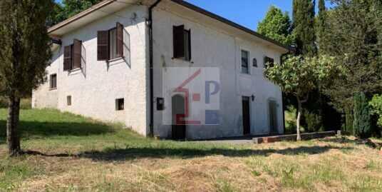 Casa indipendente con terreno in vendita ad Arpino Rif.09