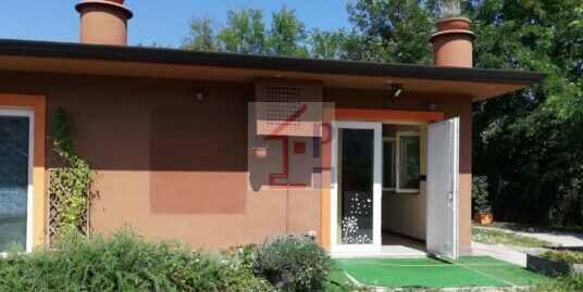 Locale Commerciale in affitto ad Arpino zona Scaffa