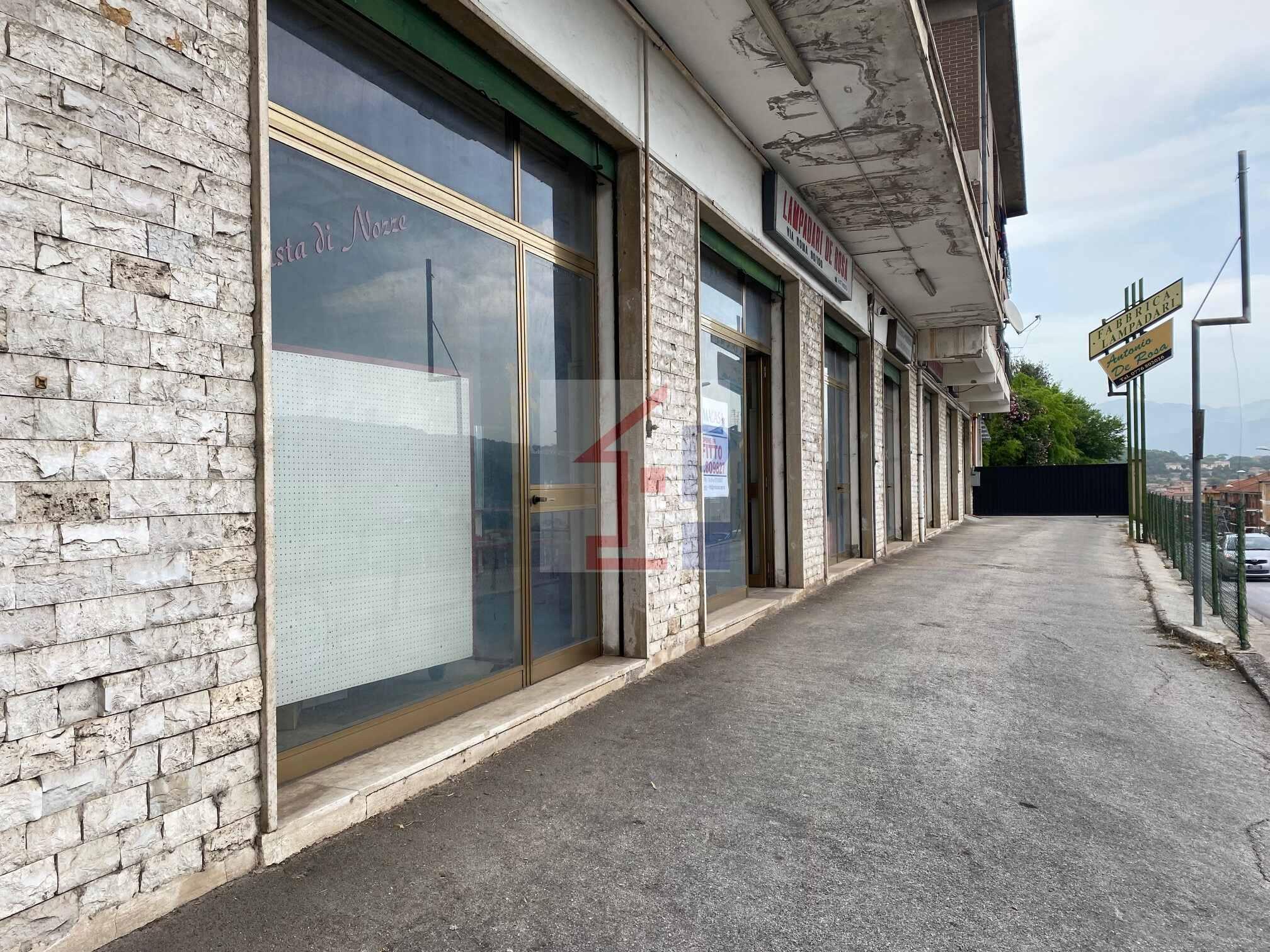 Locale commerciale in affitto a Castelliri