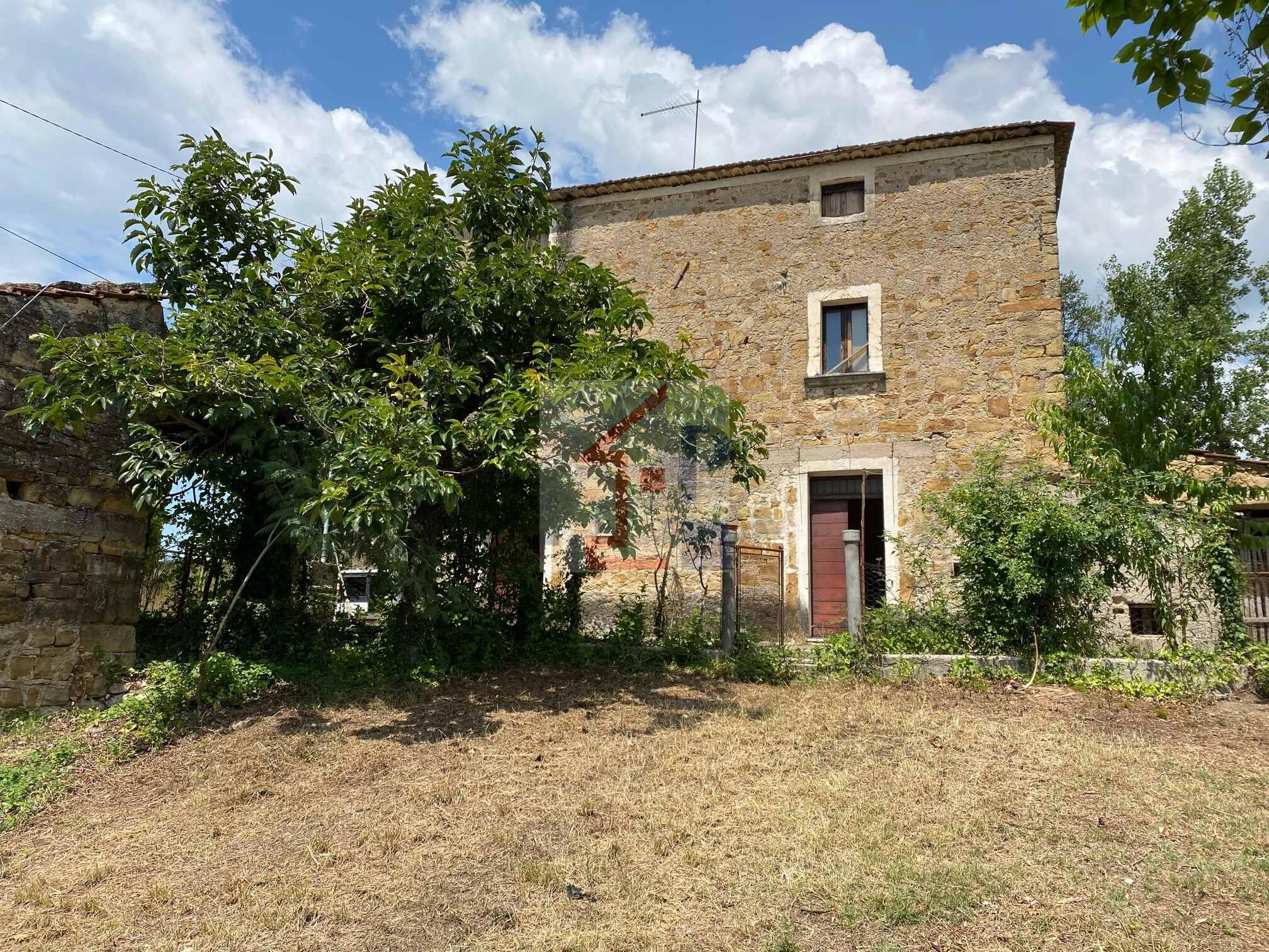 Casa con terreno in vendita ad Alvito Rif.19